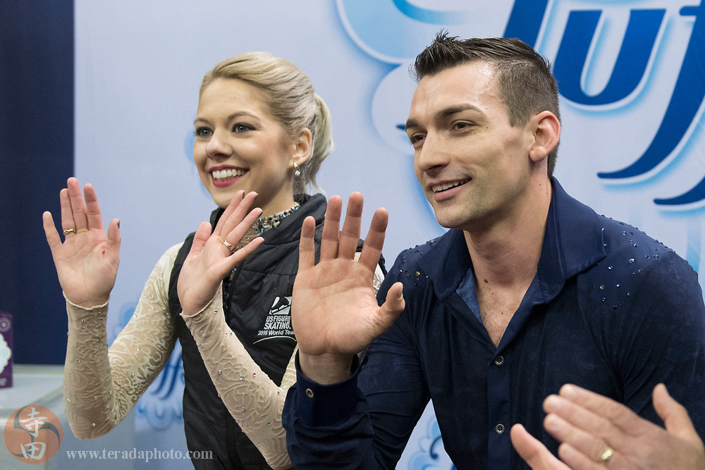 January 4, 2018; San Jose, CA, USA; Alexa Scimeca-Knierim and Christopher Knierim wave to the camera in the kiss and cry in the pairs short program during the 2018 U.S. Figure Skating Championships at SAP Center.