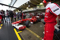 O piloto espanhol de Fórmula 1 Fernando Alonso nos boxes da Ferrari, durante o circuito do Grande Prémio do Brasil em Interlagos, em São Paulo. FOTO: Jefferson Bernardes/Preview.com
