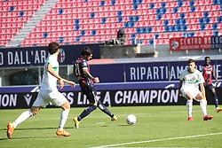 """Foto Filippo Rubin<br /> 18/10/2020 Bologna (Italia)<br /> Sport Calcio<br /> Bologna - Sassuolo - Campionato di calcio Serie A 2020/2021 - Stadio """"Renato """"Dall'Ara<br /> Nella foto: ESULTANZA GOAL BOLOGNA ROBERTO SORIANO (BOLOGNA FC)<br /> <br /> Photo Filippo Rubin<br /> October 18, 2020 Bologna (Italy)<br /> Sport Soccer<br /> Bologna vs Sassuolo - Italian Football Championship League A 2020/2021 - """"Renato Dall'Ara"""" Stadium <br /> In the pic: CELEBRATION GOAL BOLOGNA ROBERTO SORIANO (BOLOGNA FC)"""