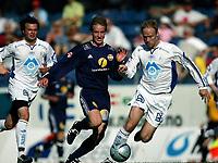 Fotball<br /> Adecco-ligaen 2005<br /> 19.06.2005<br /> Strømsgodset v Hødd 4-1<br /> Foto: Morten Olsen, Digitalsport<br /> <br /> Tommy Sylte - Hødd<br /> Kevin Nicol - SIF