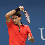 Roger Federer, Switzerland, in action against Tommy Robredo, Spain, during the US Open Tennis Tournament at Flushing Meadows, New York, USA, on Monday, September 7, 2009. Photo Tim Clayton.