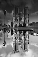 Paris. Notre dame cathedral / le parvis et la facade de la cathedrale Notre Dame de Paris