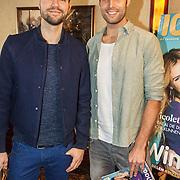 NLD/Volendam/20150305 - Winston Gerschtanowitz onthult grootste 100%NL Magazine aller tijden, Nick & Simon, Simon Keizer en Nick Schilder