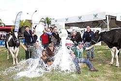 Banho de Leite da 38ª Expointer que ocorre entre 29 de agosto e 06 de setembro de 2015 no Parque de Exposições Assis Brasil, em Esteio. FOTO: J.M. Alvarenga/ Agência Preview