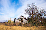 Derelict rundown old abandoned Cajun shack in the MIssissippi Delta in Louisiana, USA