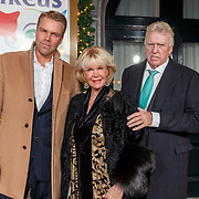 NLD/Amsterdam/20171221 - Premiere 33e Wereldkerstcircus, Sheila de Vries, partner Tom de Vries en zoon Gideon