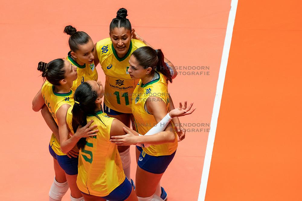 29-05-2019 NED: Volleyball Nations League Poland - Brazil, Apeldoorn<br /> Gabriela Braga Guimaraes C #10 of Brazil, Tainara Lemes Santos #11 of Brazil, Macris Carneiro #3 of Brazil