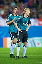 MADRID, SPAIN - Wednesday, October 22, 2008: Liverpool's Dirk Kuyt and Daniel Agger during the UEFA Champions League Group D match against Club Atletico de Madrid at the Vicente Calderon. (Photo by David Rawcliffe/Propaganda)