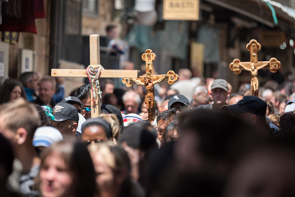 19 April 2019, Jerusalem: Thousands of Christians march the Via Dolorosa on Good Friday, marking the stations of the cross in the Jerusalem Old City, in memory of the path Jesus walked carrying his cross towards his crucifixion.