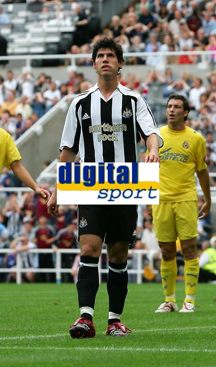 Photo: Andrew Unwin.<br /> Newcastle United v Villarreal. Pre Season Friendly. 05/08/2006.<br /> Newcastle's Albert Luque rues a missed opportunity.