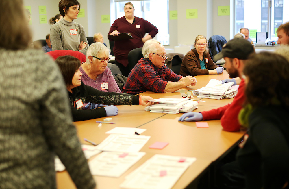 Ballots from the 2016 U.S. presidential election are recounted, following a request by the Green Party, in Madison, Wisconsin, U.S. December 2, 2016.  REUTERS/Ben Brewer