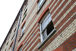 © Licensed to London News Pictures. 05/06/2018. London, UK. A first floor window where a man was reportedly pulled from a flat fire on Bourdon Street in Mayfair, central London. Photo credit: Rob Pinney/LNP