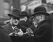 Diamond and Gold Street Traders, East End, London, 1933