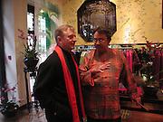 John Aexel and David Tang. Shanghai Tang opening. Sloane St. 11 April 2001. © Copyright Photograph by Dafydd Jones 66 Stockwell Park Rd. London SW9 0DA Tel 020 7733 0108 www.dafjones.com