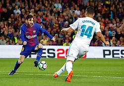 Marzo 6, 2018 - Barcelona, Barcelona, Spain...(10) Messi (delantero) ante (14) Casemiro (centrocampista)...Partido de La Liga entre el FC Barcelona y el Real Madrid CF disputado en el Camp Nou.  El clásico ha finalizado con empate a 2. (Credit Image: © Joan Gosa/Xinhua via ZUMA Wire)