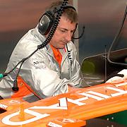 NLD/Volkel/20070420 - Spyker F1 meets F16, Full Throttle 2007, engineers aan het werk aan de auto van Christijan Albers