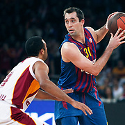 FC Barcelona Regal's Chuck EIDSON (R) during their Euroleague group D matchday 5 Galatasaray between  FC Barcelona Regal at the Abdi Ipekci Arena in Istanbul at Turkey on Thursday, November 17 2011. Photo by TURKPIX