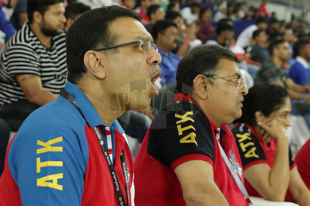 Sanjiv Goenka, Utsav Parekh owner of ATK  during match 24 of the Hero Indian Super League 2018 ( ISL ) between ATK and Bengaluru FC held at the Yuba Bharati Krirangan stadium (Salt Lake Stadium) in Salt Lake Kolkata, India on the 31st October<br /> <br /> Photo by Saikat Das /SPORTZPICS for ISL