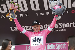 May 25, 2018 - Prato Nevoso, ITALY - British Chris Froome of Team Sky wearing the pink jersey (maglia rosa) of leader in the overall ranking celebrates on the podium after winning stage 19 of the 101st edition of the Giro D'Italia cycling tour, 184km from Venaria Reale to Bardonecchia, Italy, Friday 25 May 2018...BELGA PHOTO YUZURU SUNADA FRANCE OUT (Credit Image: © Yuzuru Sunada/Belga via ZUMA Press)