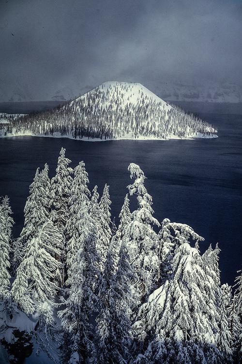 Wizard Island winter, Crater Lake National Park, Oregon, USA