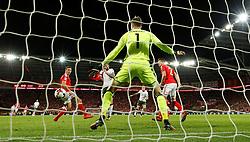 October 9, 2017 - Cardiff, Pays de Galles - Republic of IrelandÃ•s James McClean scores their first goal (Credit Image: © Panoramic via ZUMA Press)