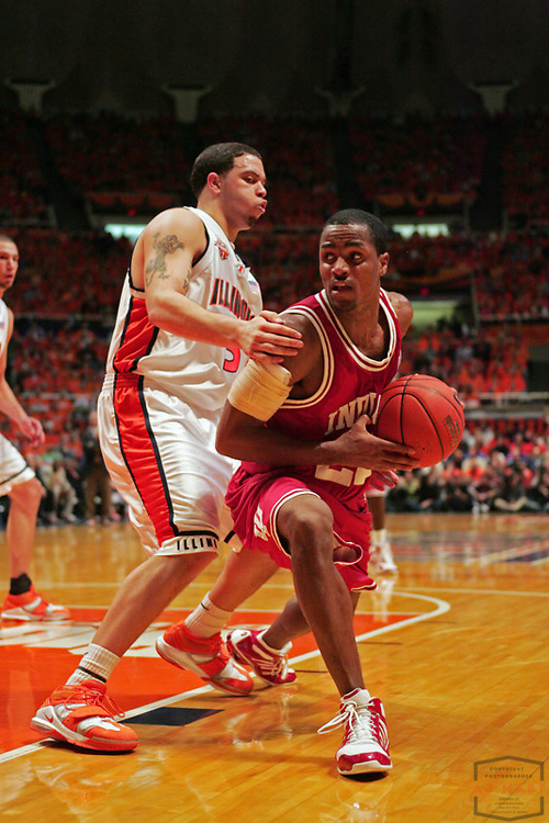 Indiana's Marshall Strickland (22) as the Indiana Hoosiers lost 47-60 to the Illinois Illini at Assembly Hall in Champaign, Ill., Sunday, Feb. 6, 2005. (MANDATORY CREDIT: AJ Mast/Ronin Images)......***LOW RES FPO ONLY, HIGH RES AVALIBLE OFFLINE***