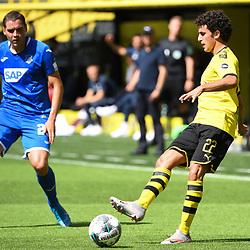 27.06.2020, xmeix, 1.Fussball Bundesliga, Borussia Dortmund - TSG 1899 Hoffenheim, empor. v.l.n.r, <br /> Andrej Kramaric (TSG 1899 Hoffenheim) gegen Mateu Morey Bauza (Borussia Dortmund)<br /> <br /> <br /> <br /> Foto: Sascha Meiser/APF/Pool/PIX-Sportfotos<br /> <br /> Nur für journalistische Zwecke!<br /> Only for editorial use!<br /> Nutzungsbedingungen: http://poolbilder.de/nutzungsvereinbarung.pdf<br /> <br /> Foto © PIX-Sportfotos *** Foto ist honorarpflichtig! *** Auf Anfrage in hoeherer Qualitaet/Aufloesung. Belegexemplar erbeten. Veroeffentlichung ausschliesslich fuer journalistisch-publizistische Zwecke. For editorial use only. DFL regulations prohibit any use of photographs as image sequences and/or quasi-video.