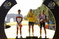 Sykkel<br /> Tour de France 2004<br /> Foto: Dppi/Digitalsport<br /> NORWAY ONLY<br /> <br /> STAGE 20 - MONTEREAU > PARIS CHAMPS ELYSEES<br /> 25/07/2004<br /> <br /> ANDREAS KLODEN (GER) / T-MOBILE TEAM - 2ND - LANCE ARMSTRONG (USA) / US POSTAL - WINNER - IVAN BASSO (ITA) / TEAM CSC - 3RD