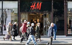 15.10.2010, Graz, AUT, Feature, im Bild der Eingangsbereich der H&M Filiale in der Herrengasse Graz, EXPA Pictures © 2012, PhotoCredit: EXPA/ Erwin Scheriau