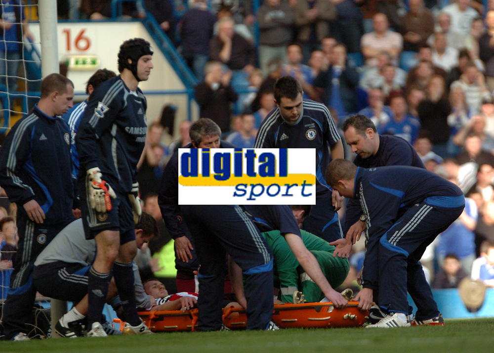 Photo: Tony Oudot.<br />Chelsea v Sheffield United. The Barclays Premiership. 17/03/2007.<br />Rob Hulse of Sheffield United is stretchered off with a suspected broken leg after colliding with Petr Cech.<br />Petr Cech looks on as Hulse is put on the stretcher