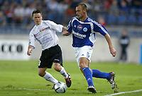 Fotball<br /> Frankrike 2004/05<br /> Strasbourg v Istres<br /> 28. august 2004<br /> Foto: Digitalsport<br /> NORWAY ONLY<br /> MICKAEL PAGIS (STR) / CHRISTOPHE DUMOLIN (IST)