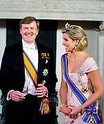 King Willem-Alexander, Queen Maxima and Princess Beatrix pose with Chinese President Xi Jinping and his wife Peng Liyuan before the state banquet at the Royal palace Amsterdam, The Netherlands, 22 March 2014. The Chinese president is in The Netherlands for a two day state visit before the NSS summit in The Hague. POOL