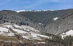 THEMENBILD - erster Schnee am Hochsonnberg bei Sonnenschein, aufgenommen am 11. Dezember 2019, Piesendorf, Österreich // first snow on the Hochsonnberg in the sunshine on 2019/12/11, Piesendorf, Austria. EXPA Pictures © 2019, PhotoCredit: EXPA/ Stefanie Oberhauser