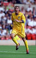Lee Bowyer (Leeds United) Nottingham Forest v Leeds United, Pre-Season Friendly, 29/07/2000. Credit: Colorsport / Nick Kidd