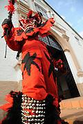El Diablo Rojo / Diablo Rojo en Festival de Congos y Diablos, Portobelo. Panamá.<br /> <br /> Edición de 10 | Víctor Santamaría.