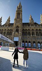 THEMENBILD - Wiener Eistraum, Eislaufen am Rathausplatz in Wien, das Bild wurde am 25. Jaenner 2012 aufgebommen, im Bild Eislaeuferinnen vor dem Wiener Rathaus, AUT, EXPA Pictures © 2012, PhotoCredit: EXPA/ M. Gruber