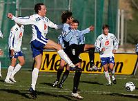 Fotball , 23. april 2006 1. divisjon herrer , Haugesund - Manglerud Star<br /> Haugesund Ivar Sandvik i duell med Yassir Bashir<br /> Foto: Jan Kåre Ness , Digitalsport