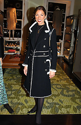 MRS SOL KERZNER at a jewellery party hosted by Osanna Visconti and Pia Marocco at Allegra Hick's shop, 28 Cadogan Place, London on 25th November 2004.<br /><br />NON EXCLUSIVE - WORLD RIGHTS