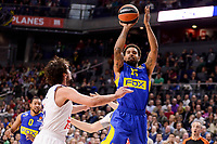 Real Madrid's Sergio Llull and Maccabi Fox's Sylven Landesberg during Turkish Airlines Euroleague match between Real Madrid and Maccabi at Wizink Center in Madrid, Spain. January 13, 2017. (ALTERPHOTOS/BorjaB.Hojas)