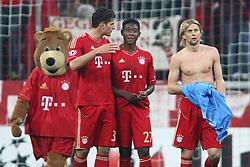 02.11.2011, Allianz Arena, Muenchen, GER, UEFA CL, FC Bayern Muenchen vs. SSC Neapel, im Bild Mario Gomez (Bayern #33) und David Alaba (Bayern #27) mit Anatoliy Tymoshchuk (Bayern #44)  nach dem Spiel // during the CL match  FC Bayern Muenchen (GER)  vs.  SSC Neapel  (ITA) Gruppe A, on 2011/11/02, Allianz Arena, Munich, Germany, EXPA Pictures © 2011, PhotoCredit: EXPA/ nph/  Straubmeier       ****** out of GER / CRO  / BEL ******
