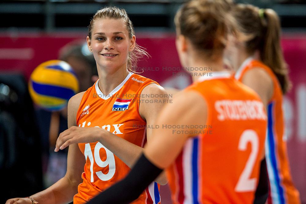 07-07-2017 NED: World Grand Prix Netherlands - Dominican Republic, Apeldoorn<br /> First match of first weekend of group C during the World Grand Prix / Netherlands wins 3-0 - Nika Daalderop #19