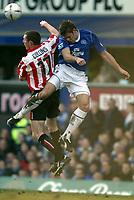 Fotball<br /> FA-cup 2005<br /> Everton v Sunderland<br /> 29. januar 2005<br /> Foto: Digitalsport<br /> NORWAY ONLY<br />  James Beattie of Everton jumps for a header with Neill Collins of Sunderland