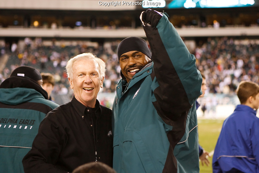 28 Dec 2008: Philadelphia Eagles safety Brian Dawkins #20 reacts at the end of the game against the Dallas Cowboys on December 28th, 2008. The Philadelphia Eagles won 44-6 at Lincoln Financial Field in Philadelphia, Pennsylvania.