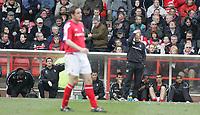 Photo:Paul Thomas. Nottingham Forest v Plymouth Argyle, City Ground, Nottingham. 09/04/2005. Nottingham Manager Gray Megson and the bench.