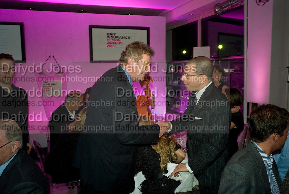 SIR CHRISTOPHER FRAYLING; JONATHAN NEWHOUSE, brit Insurance Design Awards 2009. Design Museum. London. 18 March 2009. *** Local Caption *** -DO NOT ARCHIVE-© Copyright Photograph by Dafydd Jones. 248 Clapham Rd. London SW9 0PZ. Tel 0207 820 0771. www.dafjones.com.<br /> SIR CHRISTOPHER FRAYLING; JONATHAN NEWHOUSE, brit Insurance Design Awards 2009. Design Museum. London. 18 March 2009.