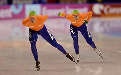 13-01-2013 SCHAATSEN: EK ALLROUND: HEERENVEEN<br /> NED, Speedskating EC Allround Thialf Heerenveen / 10000 men - Sven Kramer en Jan Blokhuijsen<br /> ©2013-FotoHoogendoorn.nl