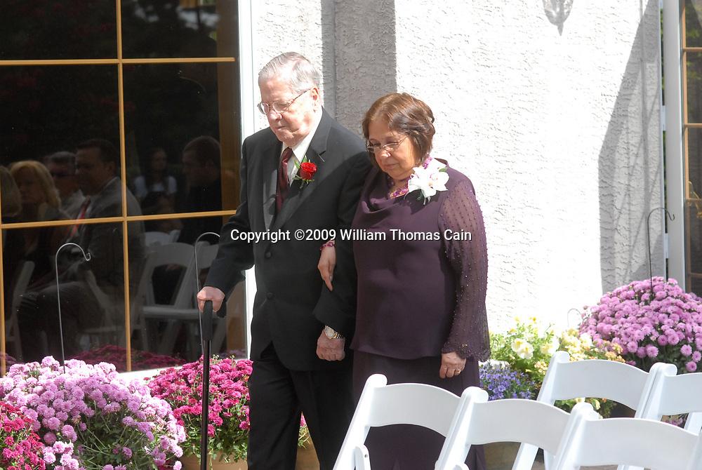9/26/09 11:46:33 AM -- Mia & Dave - September 26, 2009 - Richboro, Pennsylvania (Photo by William Thomas Cain/cainimages.com)
