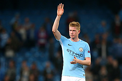 Kevin De Bruyne of Manchester City waves to the fans at full time - Mandatory by-line: Matt McNulty/JMP - 26/09/2017 - FOOTBALL - Etihad Stadium - Manchester, England - Manchester City v Shakhtar Donetsk - UEFA Champions League Group stage - Group F