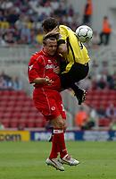 Foto: Digitalsport<br /> NORWAY ONLY<br /> Photo. Glyn Thomas.<br /> Middlesbrough v Aston Villa. <br /> FA Barclaycard Premiership. 24/04/2004.<br /> Aston Villa's Gavin McCann (R) clatters into Bolo Zenden.