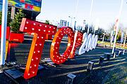 HILVERSUM, 25-12-2020 , Beeld en Geluid<br /> <br /> Leeg Top 2000 Cafe op eerste kerstdag. Het jaarlijkse evenement wordt uitgezonden op Radio 2 van eerste kerstdag tot en met oudjaarsdag vanbuit Beeld en Geluid in Hilversum. Vanwege Corona zijn er dit jaar geen bezoekers in het cafe.<br /> <br /> Op de Foto: Top 2000 Cafe